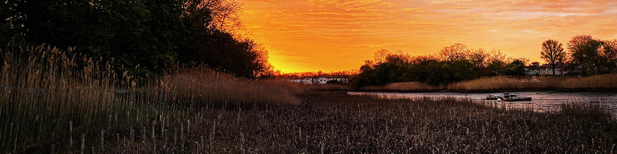 A sunset in Manorhaven Village, NY
